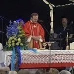Gottesdienst, begleitet von Esra