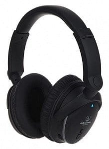 Der Audio Technica ATH-ANC9 Kopfhörer mit Aktiv-Noise-Cancelling