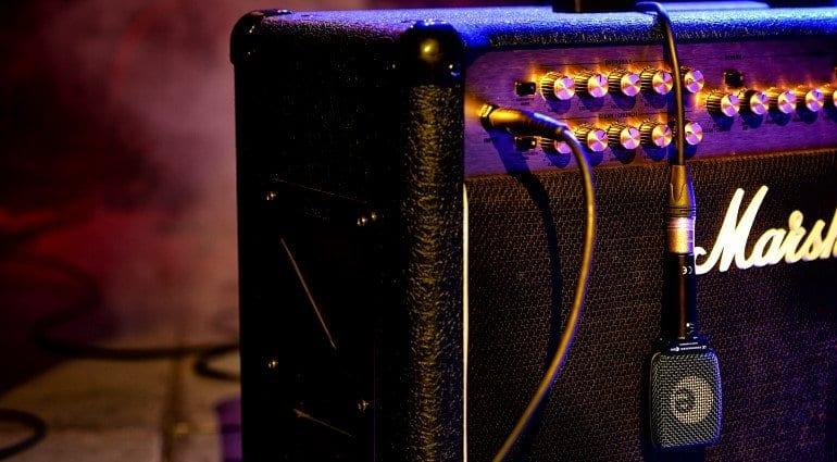 recording an electric guitar. Black Bedroom Furniture Sets. Home Design Ideas