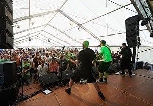 Die Band Massendefekt auf dem Thomann-Sommerfest 2016