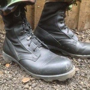 Zwarte lederen laarzen
