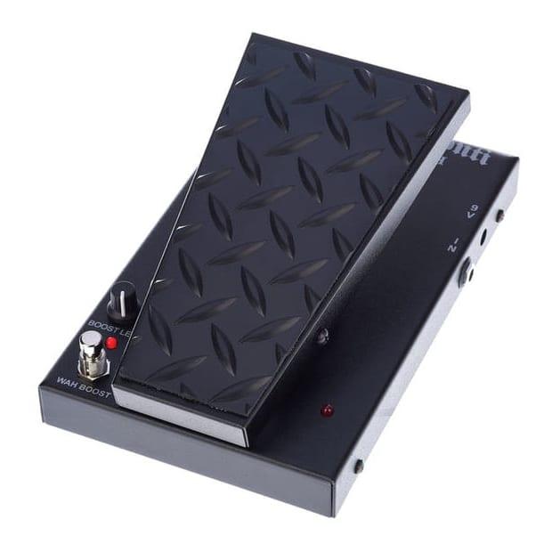 the essential guitar pedals a beginner s guide. Black Bedroom Furniture Sets. Home Design Ideas