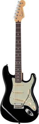 Fender AM Pro Strat RW BK